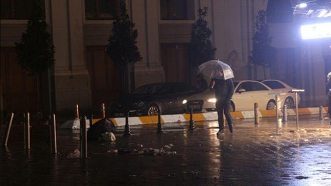 İstanbul'da kar yağışı yerini yağmura bıraktı
