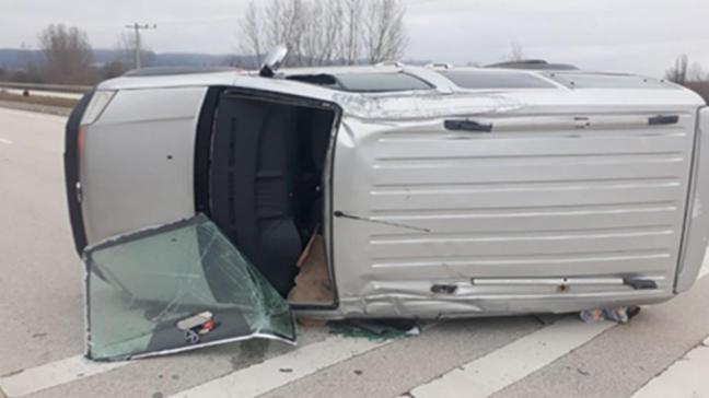 Yoldan çıkan araç takla attı: 4 yaralı