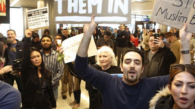 Trump'ın seyahat yasağı on binlerce vize başvurusunu vurdu