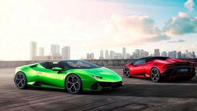 Yenilenen Lamborghini Huracan sonunda üstünü açtı