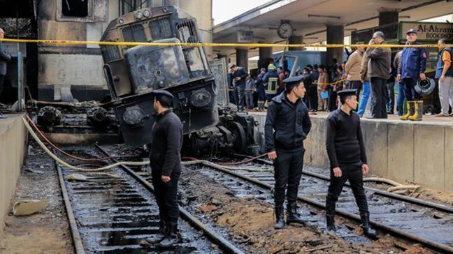 Mısır'daki tren kazasının nedeninin makinist kavgası olduğu açıklandı