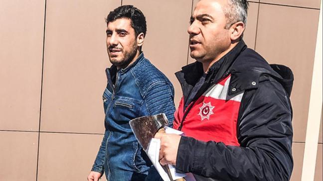 Bakırköy Adliyesi'ne baltayla girerken yakalandı