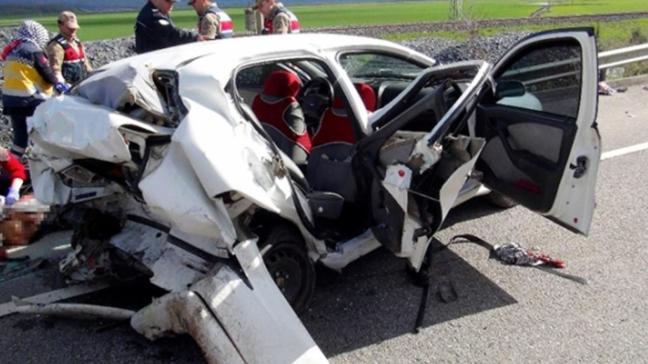 Gaziantep'te trafik kazası: 2 ölü, 3 yaralı