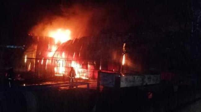 Bursa'daki yatak fabrikasının deposunda korkutan yangın