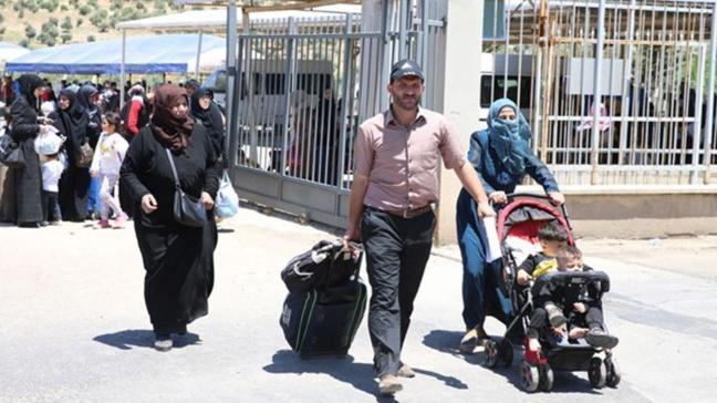Suriyeliler bayram için ülkelerine doğru yolculuğa başladı