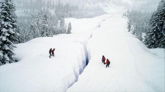 """Buz Depremi filmi konusu nedir"""" Buz Depremi oyuncuları kimler"""""""