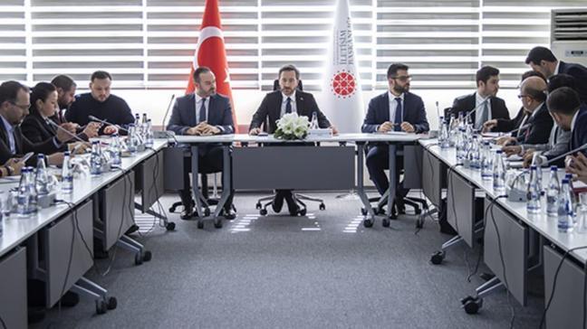 Fahrettin Altun: Başkan Erdoğan Putin'le en kısa sürede yüz yüze görüşecek
