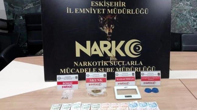 Eskişehir'de uyuşturucu taciri 9 şüpheli gözaltına alındı