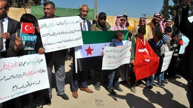 İdlib şehitleri Suriye'deki mitingde anıldı