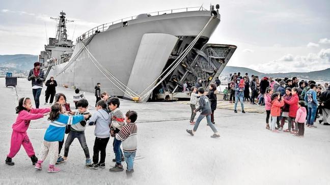 Gemide 'esir' tuttular, sınırdışı edecekler