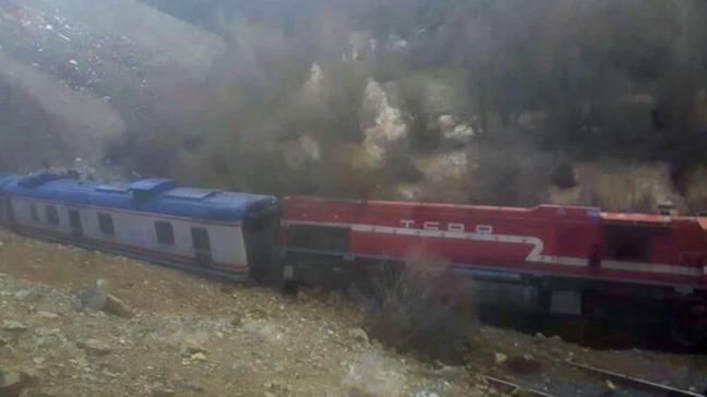 Elazığ'da heyelan nedeniyle tren yoldan çıktı, facia ucuz atlatıldı