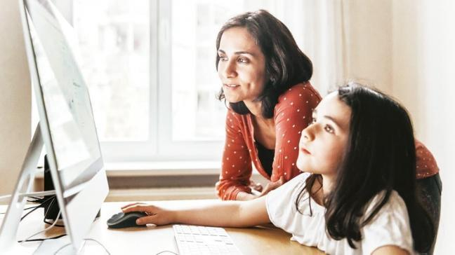 Uzaktan eğitimde velilere altın öğütler: Çocuğunuza okuldaymış gibi davranın