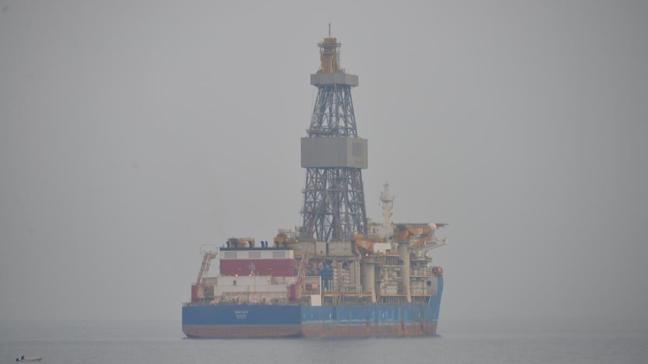 Kanuni sondaj gemisinin Taşucu'ndaki bekleyişi sürüyor