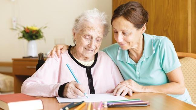 Alzheimer hastaları için Covid 19 rehberi