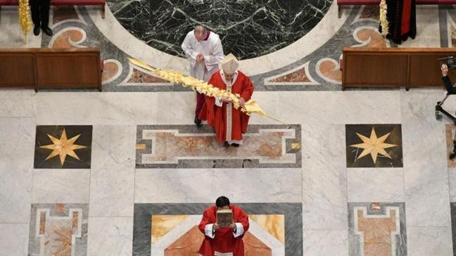 Papa Francis 'Kutsal Hafta' duasını kapalı kapılar ardında yaptı: Çok az sayıda rahip ve rahibe katıldı