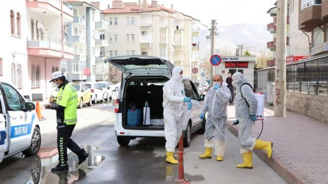 Hastaneden kaçan koronavirüs şüphelisi polis ekiplerince yakalandı
