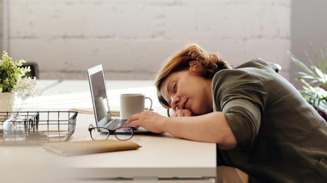 """Uyumayı kolaylaştıran yöntemler!  Uykusuzluğun sebepleri nelerdir"""""""