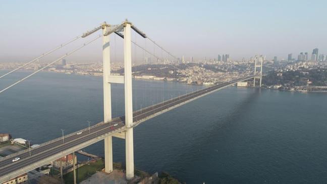 Sokağa çıkma yasağının ardından İstanbul'da köprülerde sessizlik hakim oldu