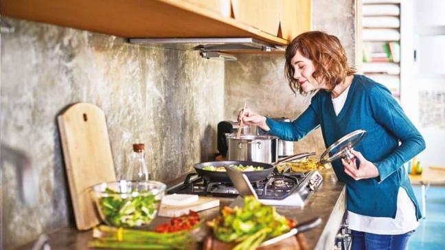 Yeterince pişmemiş yiyecekler riskli