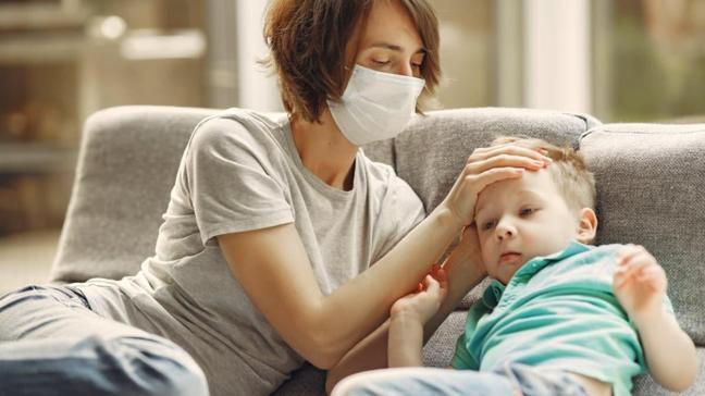 """Çocuklarda alerji ile koronavirüs belirtisi arasındaki fark nedir"""""""