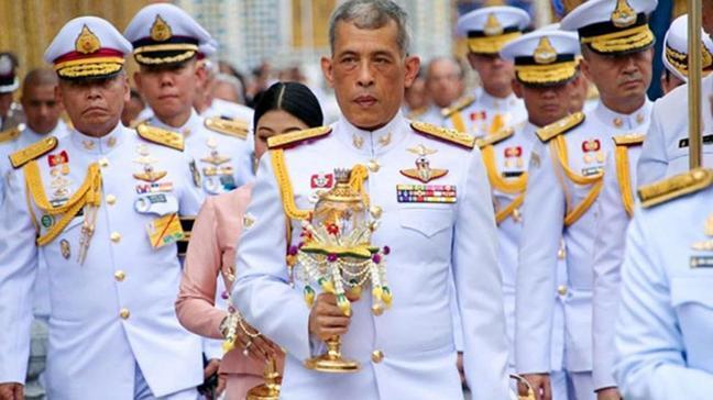 Her hareketi ses getiren Tayland Kralı'ndan tepki çeken karar