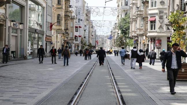 Taksim Meydanı ve İstiklal Caddesi'nde maske zorunluluğu
