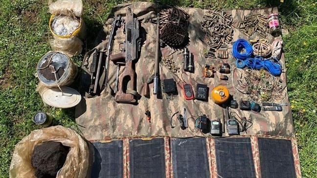 Batman'da terör örgütü PKK'ya ait iki sığınak imha edildi