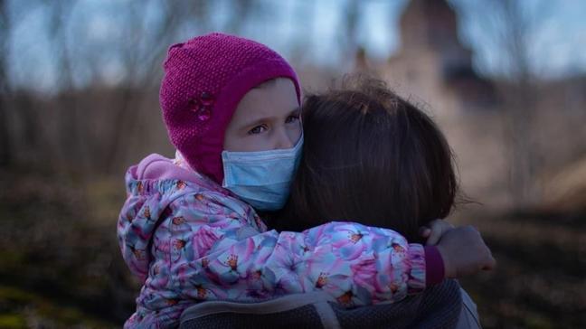 """Çocuğa koronavirüsle ilgili o cümleyi kurmayın  Koronavirüs çocuğa nasıl anlatılır"""""""