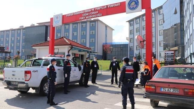 Bartın'a sahte seyahat belgesi ile girmeye çalışan 12 kişiden birinde Kovid-19 tespit edildi