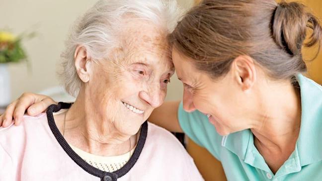 """Alzheimer/Demans hastaları ile nasıl iletişim kurulmalı"""""""