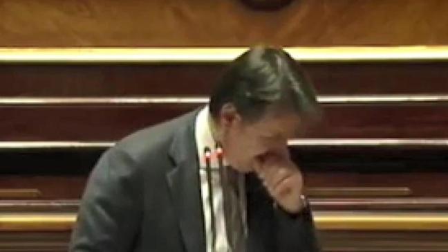 İtalya Başbakanının öksürük krizine muhaliflerden 'maske tak' tepkisi