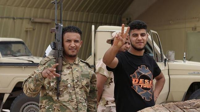 Libya ordusu Hafter milislerini yıkıp geçti: Hamza Askeri Kampı geri alındı