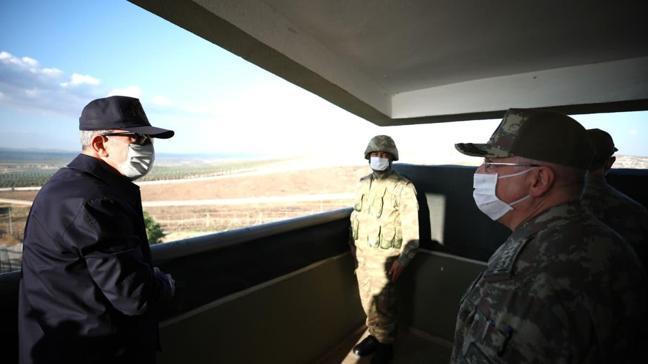 Bakan Akar Suriye sınırının sıfır noktasında incelemelerde bulundu