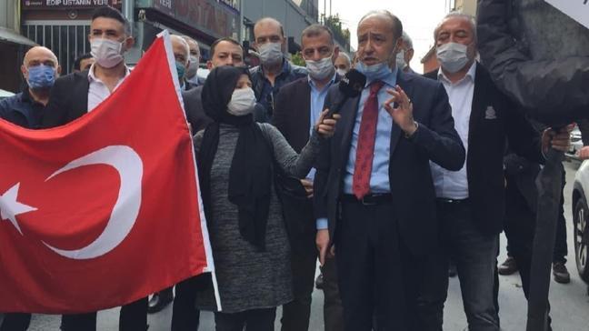 Demokratlar Platformu TELE 1 kanalı önünde siyah çelenkli protesto yaptı
