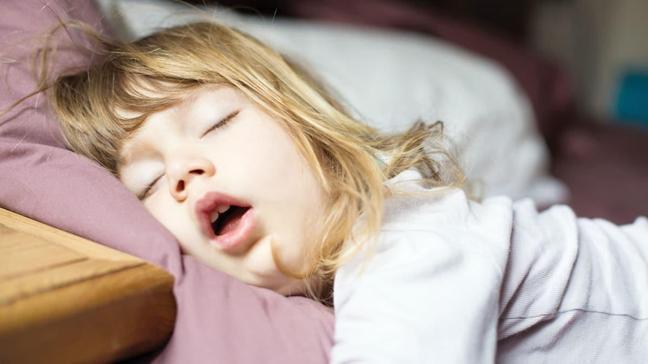 Şişmanlık, çocuklarda uyku apnesine yol açıyor