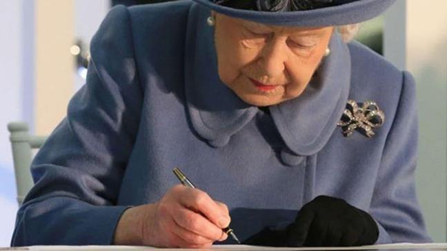 Mahkemeden kritik karar: İngiltere Kraliçesi Elizabeth'in 'gizli saray mektupları' kamuya açılacak