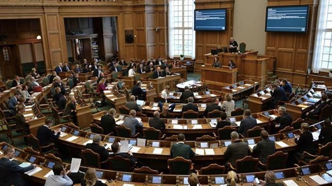 Danimarka Parlamentosundaki Müslümanlar üzerinden oy kapma tartışmasına tepkiler büyüdü