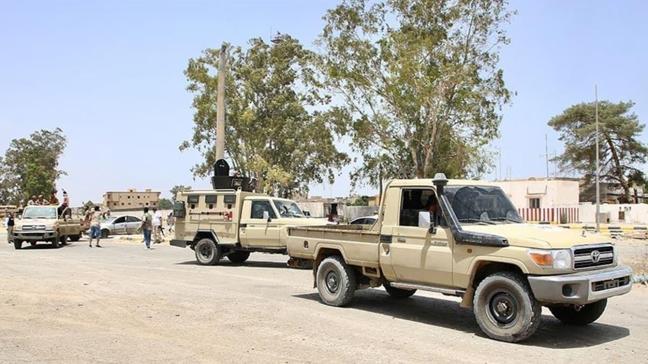 Libya ordusunun kuşatması altındaki Terhune kentinde Darbeci Hafter'e bağlı milis lideri yakalandı!