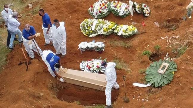 Brezilya'da koronavirüs kabusu... Mezarlıklarda yer açmak için eski mezarlar boşaltılıyor!