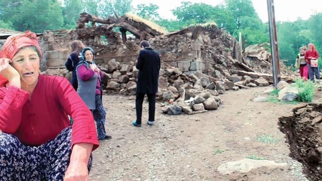 5.7'lik depremden 16 saat sonra 5.6 ile sallandı! Karlıova'da deprem fırtınası