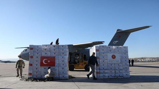 Türkiye Azerbaycan'a koronavirüsle mücadelesi için tıbbi malzeme gönderdi