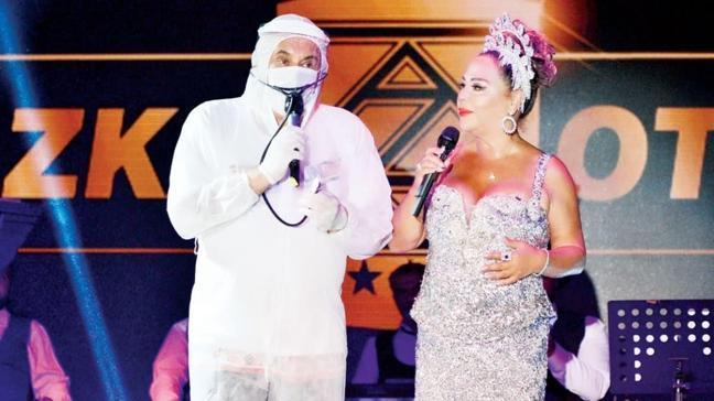 Safiye Soyman ile sahne alan Faik Öztürk'ten tulum detaylı virüs uyarısı