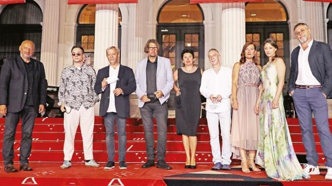 TRT'nin filmiyle açılış