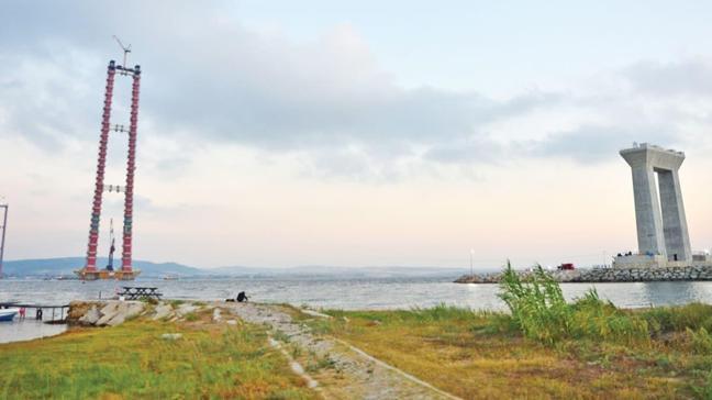 Projede önemli bir adım daha! Çanakkale'ye geçici gerdanlık döşendi