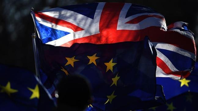 AB'den İngiltere'ye Brexit çağrısı