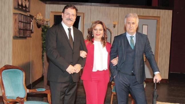 Tamer Karadağlı, Volkan Severcan ve Zeyno Günenç 'İkinin Biri' için sahnedeler