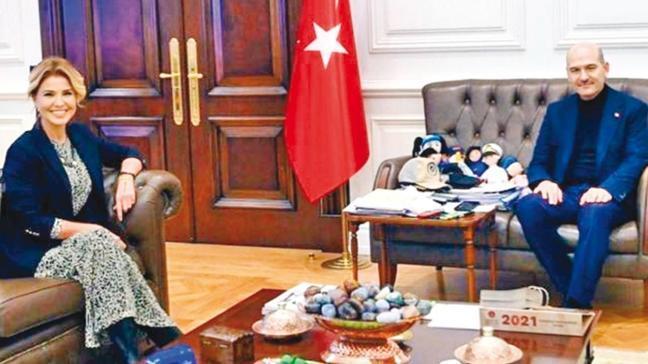 Gülben Ergen'den Bakan Süleyman Soylu'ya sürpriz ziyaret