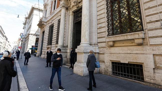 İtalya'da koronavirüs salgınında ölü sayısı 85 bini aştı