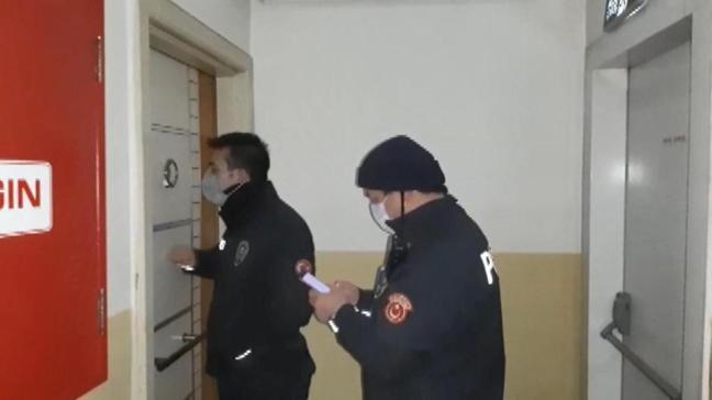 Kapıyı açmamak için direndiler: İçeriden 50 kişi çıktı