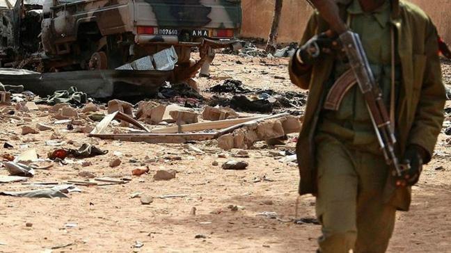 Mali'de 2 askeri üsse saldırı: 6 asker hayatını kaybetti